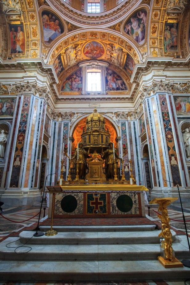 Ołtarz z ikoną Matki Bożej zwany Zbawieniem Ludu Rzymskiego (Salus Populi Romani)