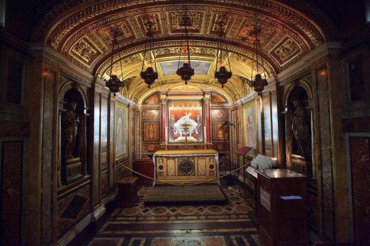 Relikwiarz skrywający ponoć fragment kołyski Chrystusa